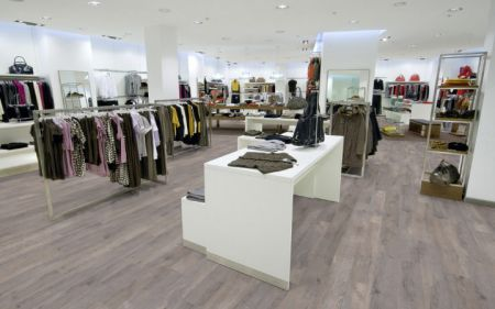 Vloeren Winkel Hoogvliet : Hout beton schutting vloerenwinkel hoogvliet